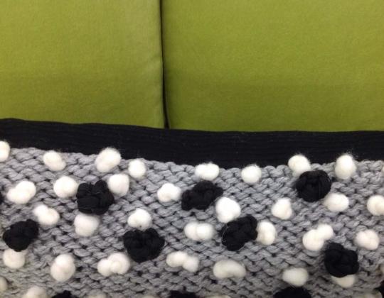 Подушка Горошки (серый)