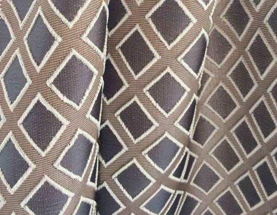 Портьєрна тканина  Mira ромб сірий, фон коричневий