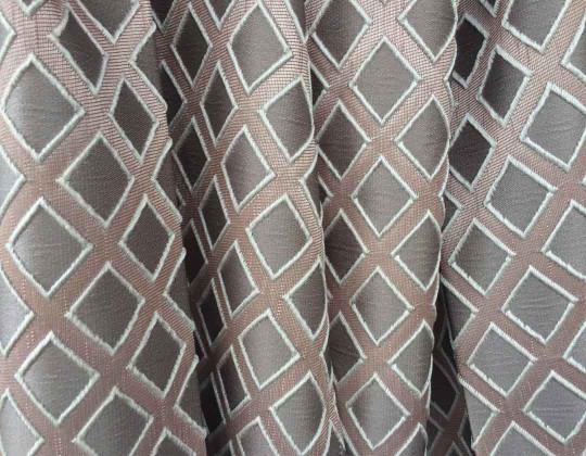 Портьєрна тканина  Mira ромб сірий, фон пудра